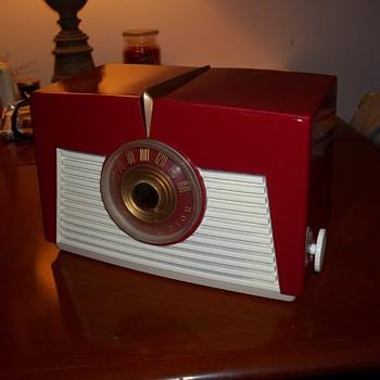 RCA model 8x547 - Radios