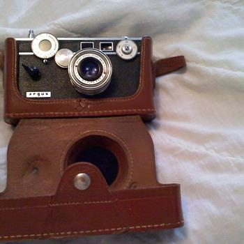 Argus camera w/ case
