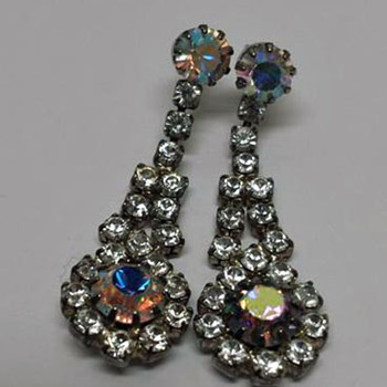 Pair of Earrings/Costume Jewelry