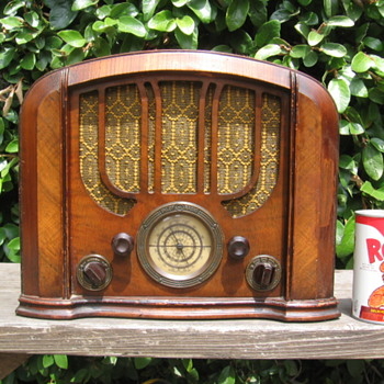 Vintage Pilot Tube Radio Model 123 From 1935 - Radios