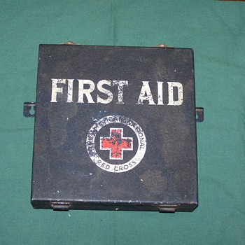1930's - 1940's American Red Cross First Aid Kit - Advertising