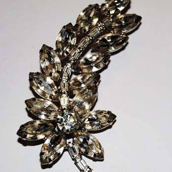 A Kramer rhinestone piece... - Costume Jewelry