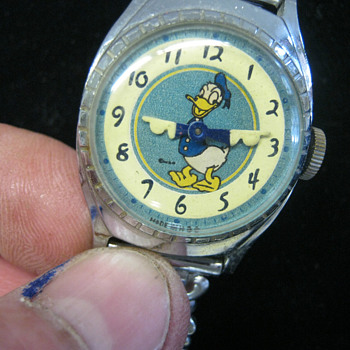 1949 Luminous Dial Donald Duck - Wristwatches