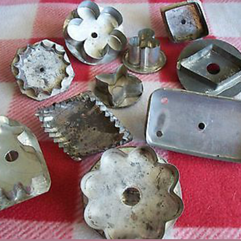 Vintage Biscuit, Cookie Cutters and Kitchen Utensils - Kitchen