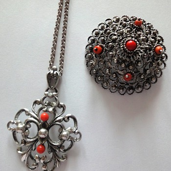 Silver Jasseron with coral pendant and brooch