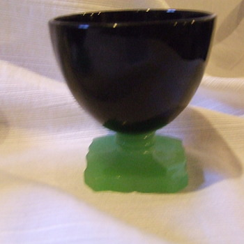 Fenton Black and Jade Green Elizabeth Sherbets