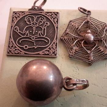 1970sSilver bracelet & charms - Fine Jewelry
