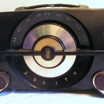1954 Zenith Model R615 Radio