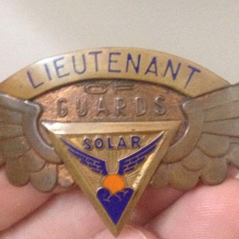 Vintage Solar Lieutenant of Guards Brass Badge Pin
