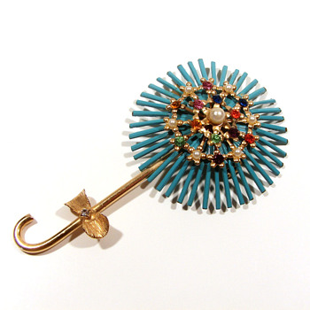 Vintage enameled pin with rhinestones