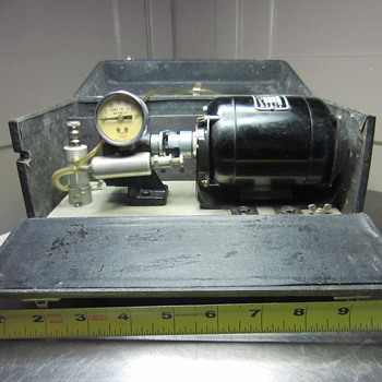 Vintage BODINE ELECTRIC CO. motor - COLLECTION LAB VACUUM ?? MAYBE A JEWELER'S TOOL? DUST COLLECTOR