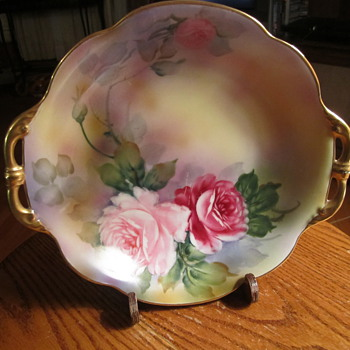 "Noritake Green ""M"" in the Wreath Gold Handle Bowl 9"""