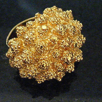 Monet adjustable 'Dinner Ring' goldtone
