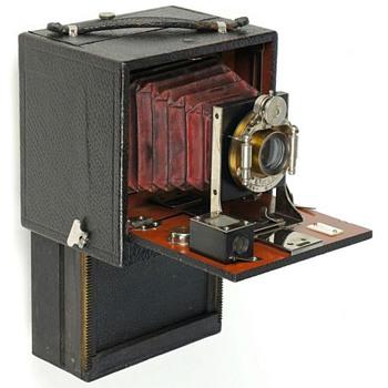 Chase Folding Magazine Camera – c.1899