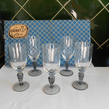 Vintage liquer/sherry glasses