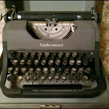 Underwood Typewriter with Case