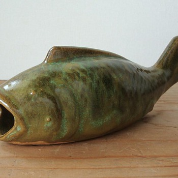 OLD GREEN POTTERY FISH WALL POCKET