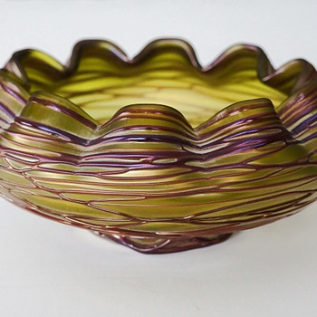 Durand Bowl? - Art Glass
