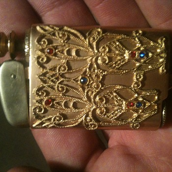 Antique cigarette lighter - Tobacciana