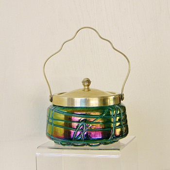 Pallme-König Green Iridescent Thread Cookie Jar Silver Handle HAPPY EASTER! - Art Glass