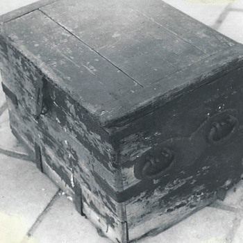 "Cannonball Trunk""Chateauguay Battle 1812""Royal Marine - Furniture"