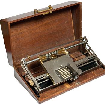 Hall typewriter - 1881 - Office