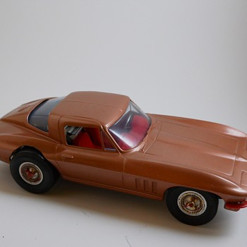 Cox, QZ .049,Corvette Stingray and Chaparral, Gas Cars, Circa 1966 - Toys