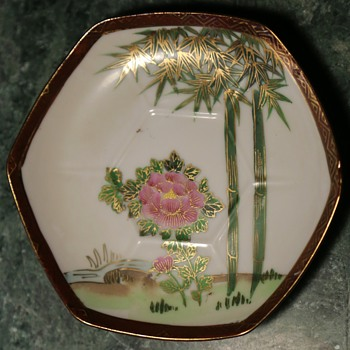 Tea-saucer from Japan - Pottery