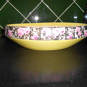 Unusual fruit bowl? - China and Dinnerware