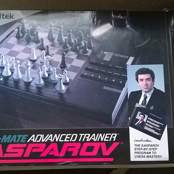 1990-kasparov advanced trainer computer chess game. - Games