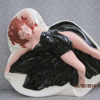 Holland Mold 1956 Pin Up Ashtray - Figurines