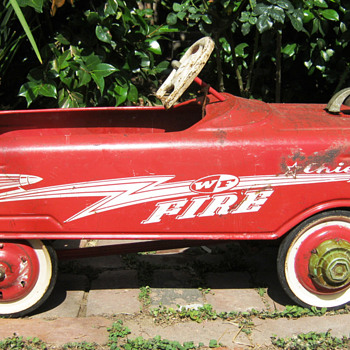 Vintage peddle car, WF Fire Chief 1960s
