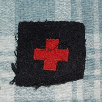 red cross patch - Military and Wartime