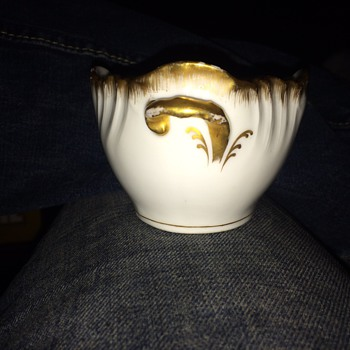 Help need info please  - China and Dinnerware