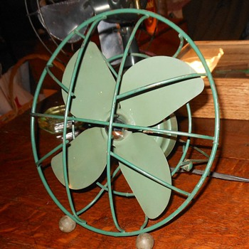 Kwik Way Fold Up Fan - Tools and Hardware