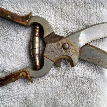 German shears? Multi Tool?