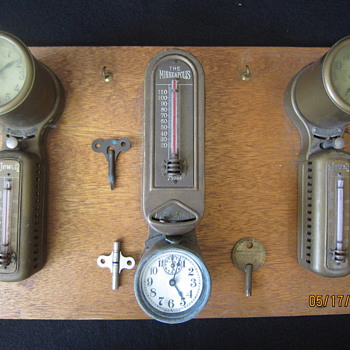 Patented 1907 to 1918 The Minneapolis Honeywell Jewell Brass Automatic Heat Regulator Art Deco Clock Thermostats With Keys