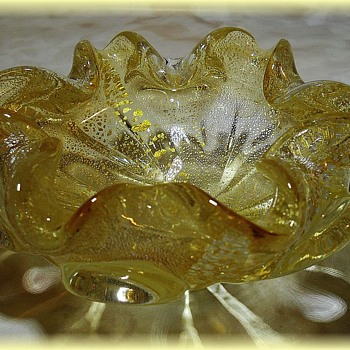 Small MURANO ART GLASS BOWL -- Yellow - Art Glass