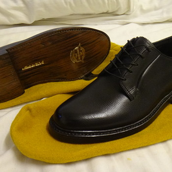 Mint Condition New Old Stock Florsheim Derbys and Long wings. - Shoes