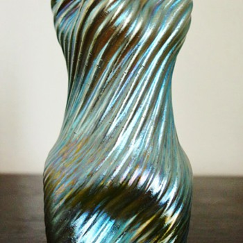 Loetz Creta Silberiris Vase. - Art Glass