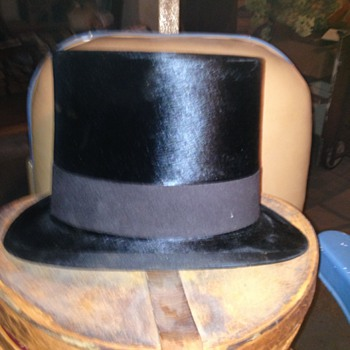 ANTIQUE TOP HAT CONT: - Hats