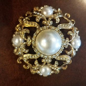 Grandmother's Costume Gold Brooch