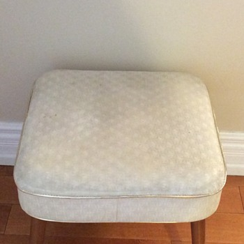 1950 or 1960 foot stool. - Furniture