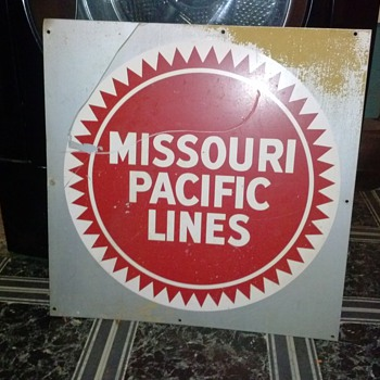 MISSOURI PACIFIC LINES Metal Sign AGE?? VALUE?? - Signs