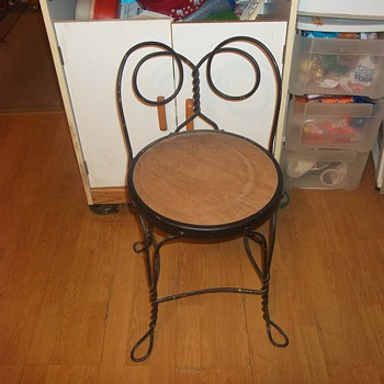 LOW BACK SODA PARLOR CHAIR