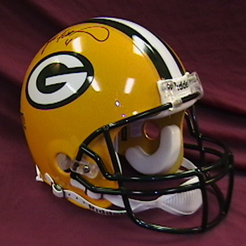 Brett Favre Autographed Green Bay Packers Helmet - Football