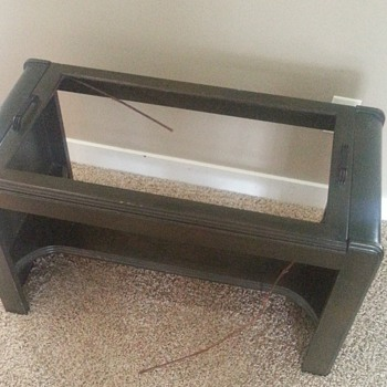Mid-century coffee table with removable handled tray