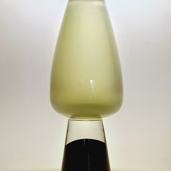 Gunnar Nylund vase on heel base - Strombergshyttan 1950s.