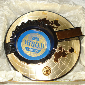THE WORLD ASHTRAY - Tobacciana