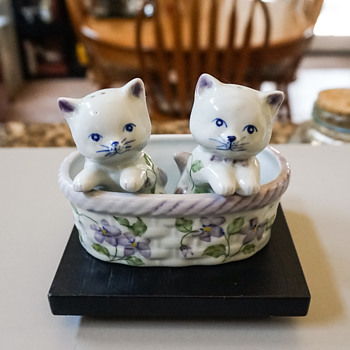 Two Kittens in a Basket Salt & Pepper Shakers